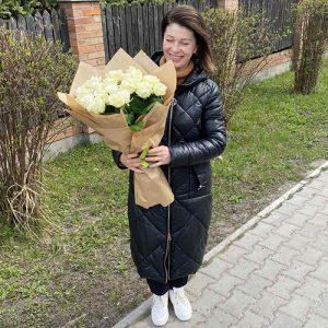 Фото товару 21 біла троянда