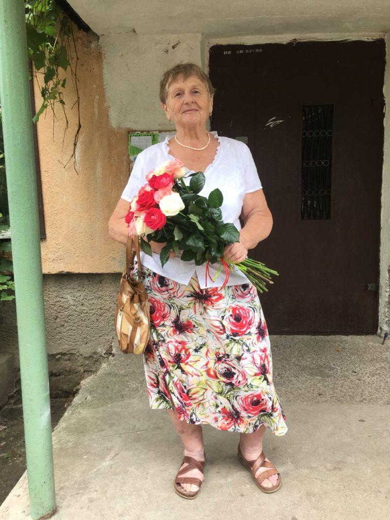 Фото товару 7 троянд мікс