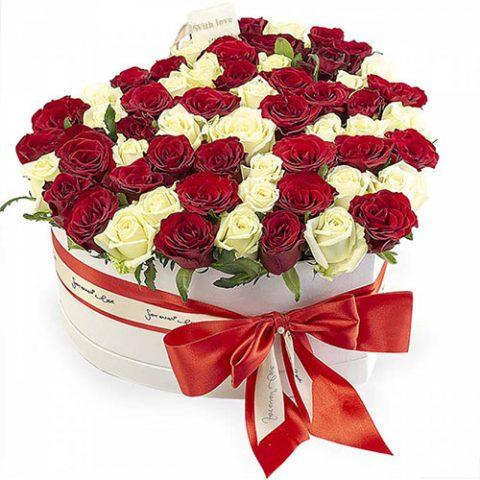 51 троянда серце у спеціальній коробці