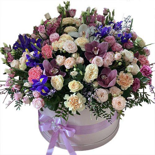 """Капелюшна коробка """"Дорога"""" мікс квітів"""